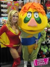 Tanya-Tate-Electrawoman-San-Diego-Comic-Con-2011-109