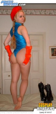 video-game-cosplay-080107-cammy-street-fighter