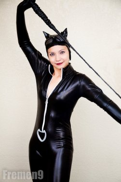 catwoman_cosplay_6_all_about_the_whip_by_princessairezen-d5hf5dg