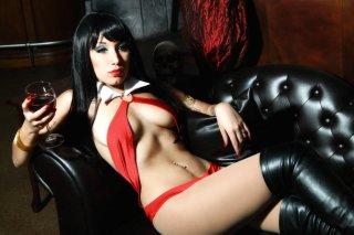 Vampirella71-1-1glow